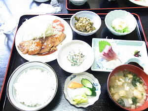 20110809・1-14 昼食.jpg